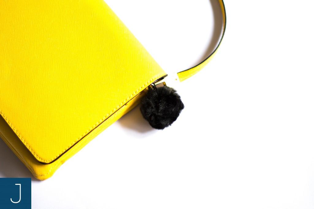 Futrzane kulki - żółta torba | Justine Crafts