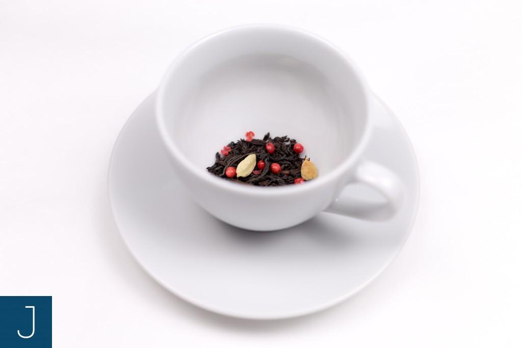 Rozgrzewająca herbata - w filiżance | Justine Crafts