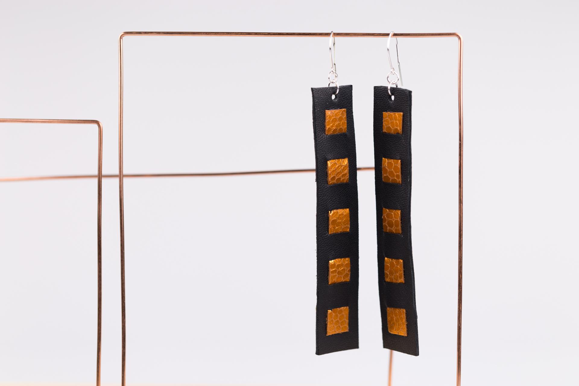 Czarno-rude kolczyki i bransoletka | Justine Crafts