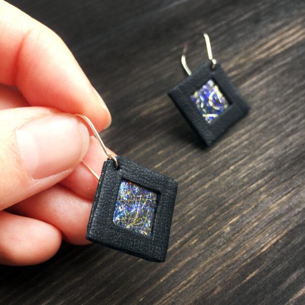 Kolczyki wiszące kwadratowe 2 cm   Justine Crafts Jewelry