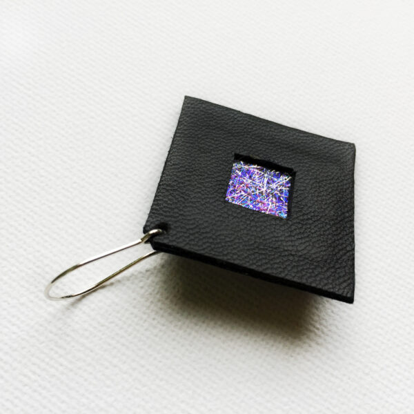 Kolczyki wiszące kwadraty ze skóry 3 cm | Justine Crafts Jewelry