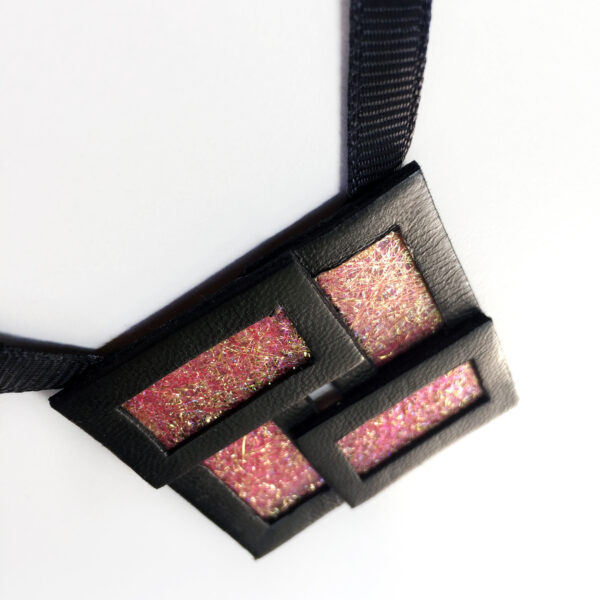 Naszyjnik geometryczny kwadrat 41   Justine Crafts Jewelry