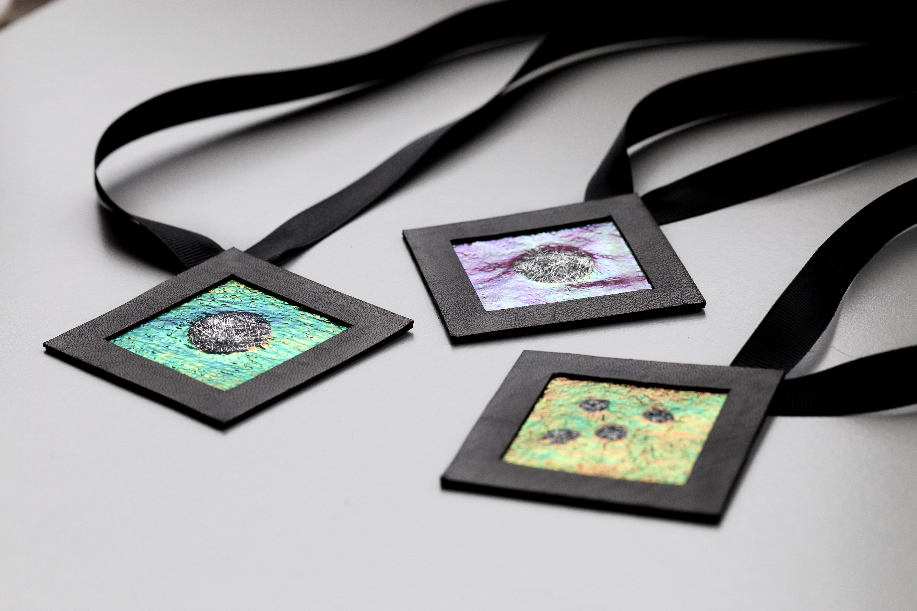 Naszyjniki geometryczne kwadraty | Justine Crafts Jewelry