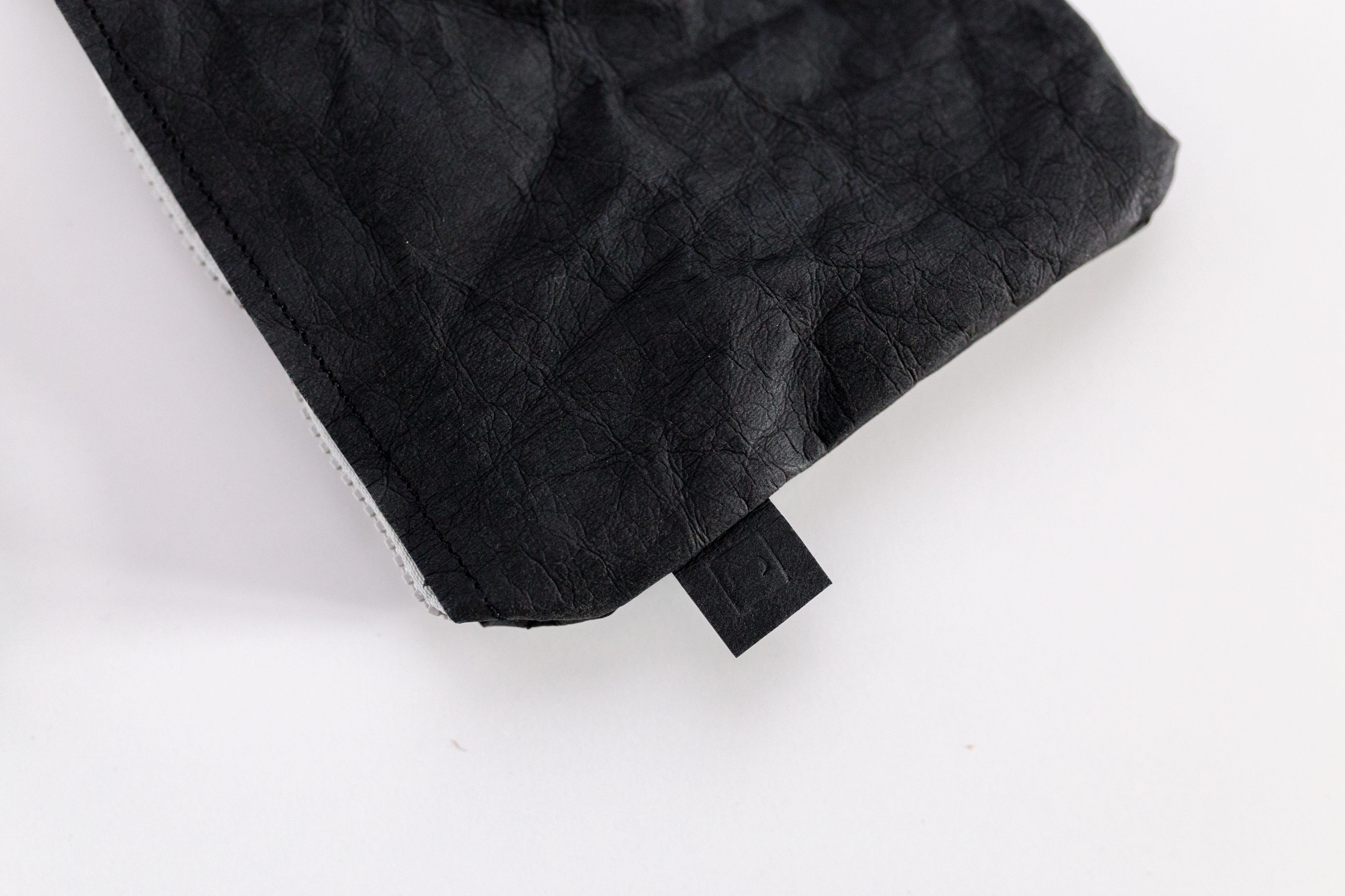 Czarna kopertówka