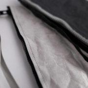 Szara i czarna kopertówka
